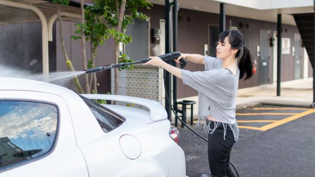 【時短テク】ケルヒャー導入で手洗い車洗車の効率化、目指すは30分以内